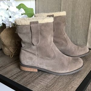 Sole Society Ankle Bootie Gray Beige Faux Fur